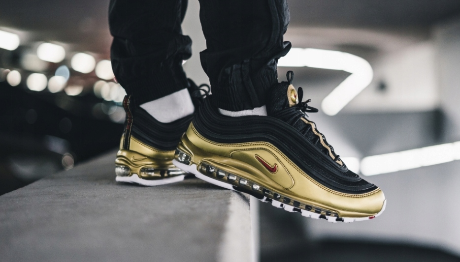 nike air max 97 czarny gold at5458-002
