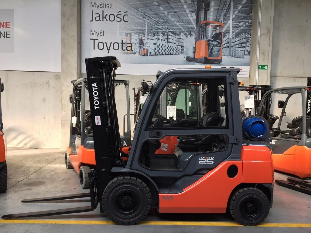 wózek widłowy 8FGF25 2,5 T TOYOTA Katowice TMH PL