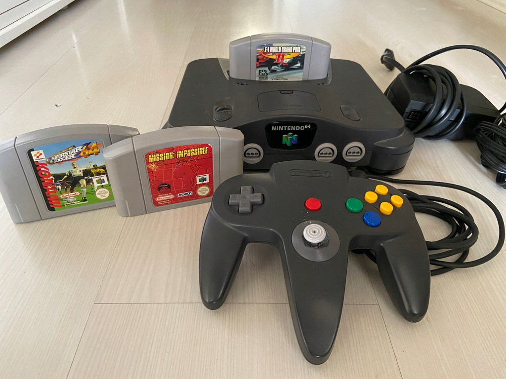 Konsola Nintendo 64 + 3 gry