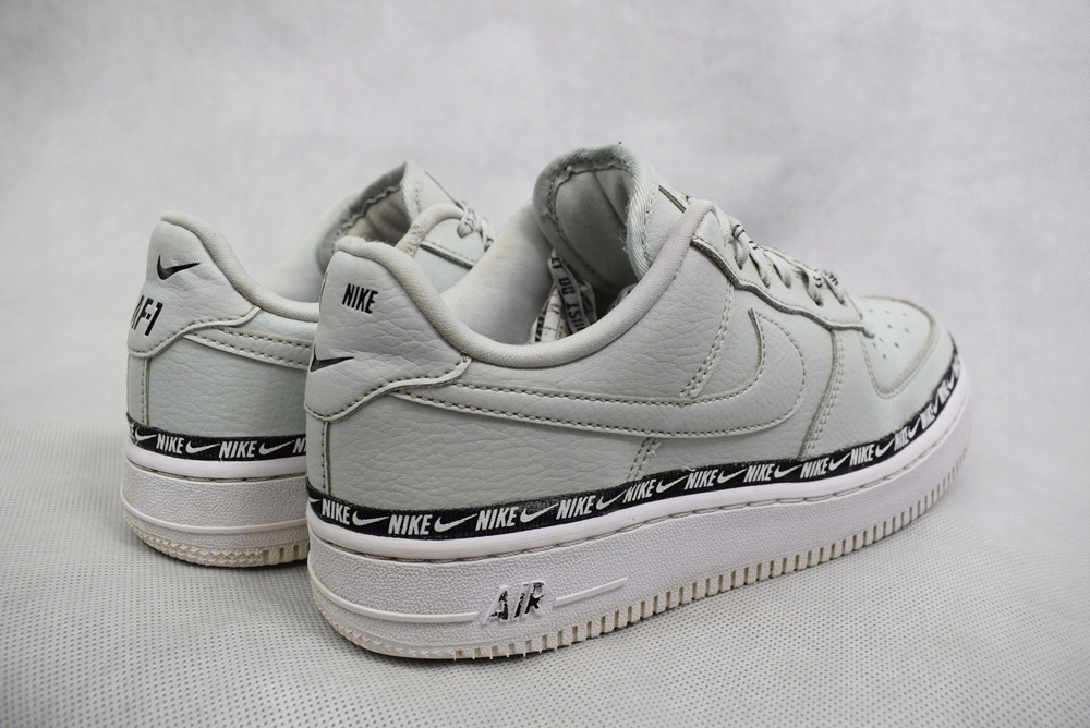 Nike W Air Force 1 '07 SE PRM buty sportowe (38)