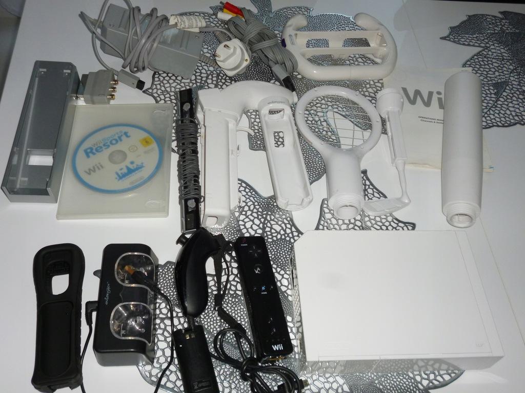 Nintendo Wii konsola biała pady gra dodatki tanio