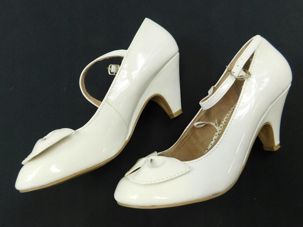 0803d66 ATMOSPHERE buty BIAŁE lakierowane 37