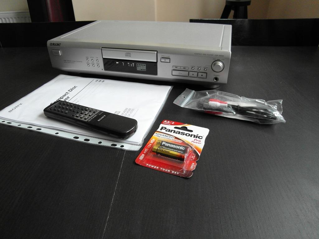 Odtwarzacz CD Sony CDP-XE500 | PILOT | Śliczny |