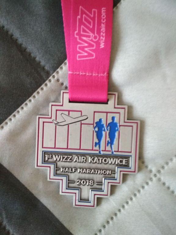 medal pamiątkowy 1st WizzAir Half Maraton Katowice