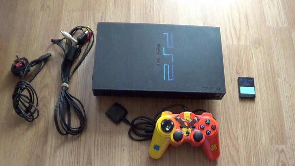 PlayStation 2 SCPH-30003R +pad +karta FREE MCBOOT
