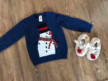 świąteczny sweterek C&A 110 kapcie gratis