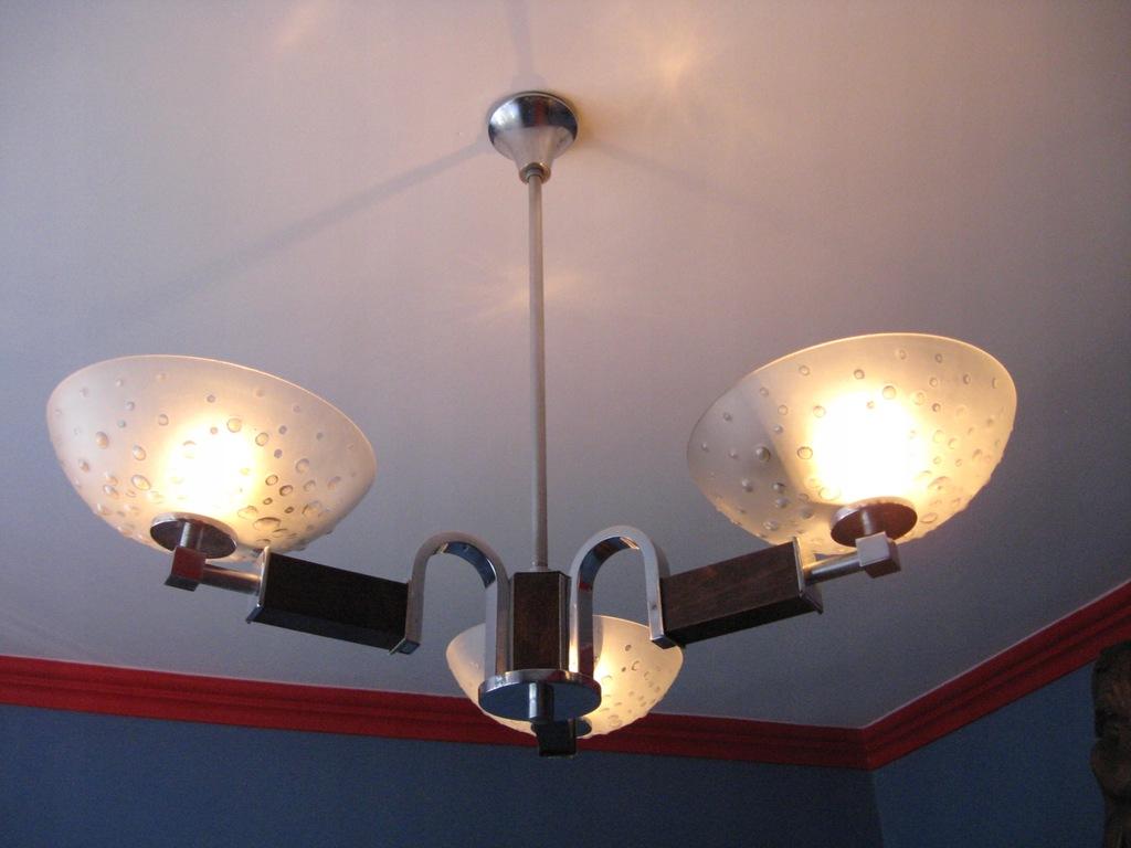 Żyrandol w stylu Art Deco