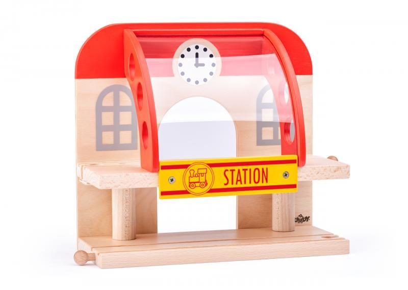 Dwupoziomowy dworzec kolejowy drewniany