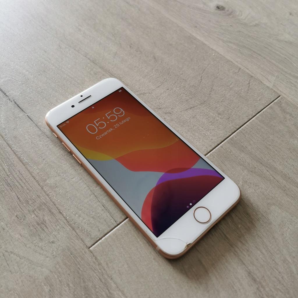 Smartfon Apple iPhone 8 2 GB / 64 GB złoty