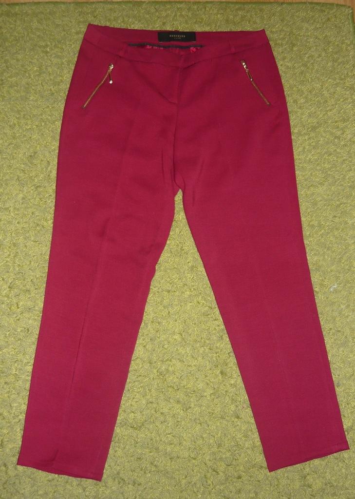 RESERVED spodnie 7/8 w kant r.36