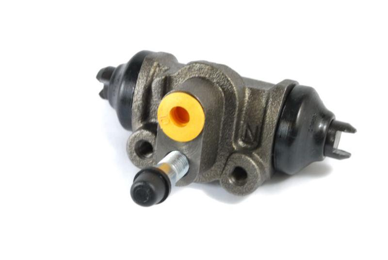 Cylinderek hamulcowy MAZDA 323 323 C 323 F 323 P