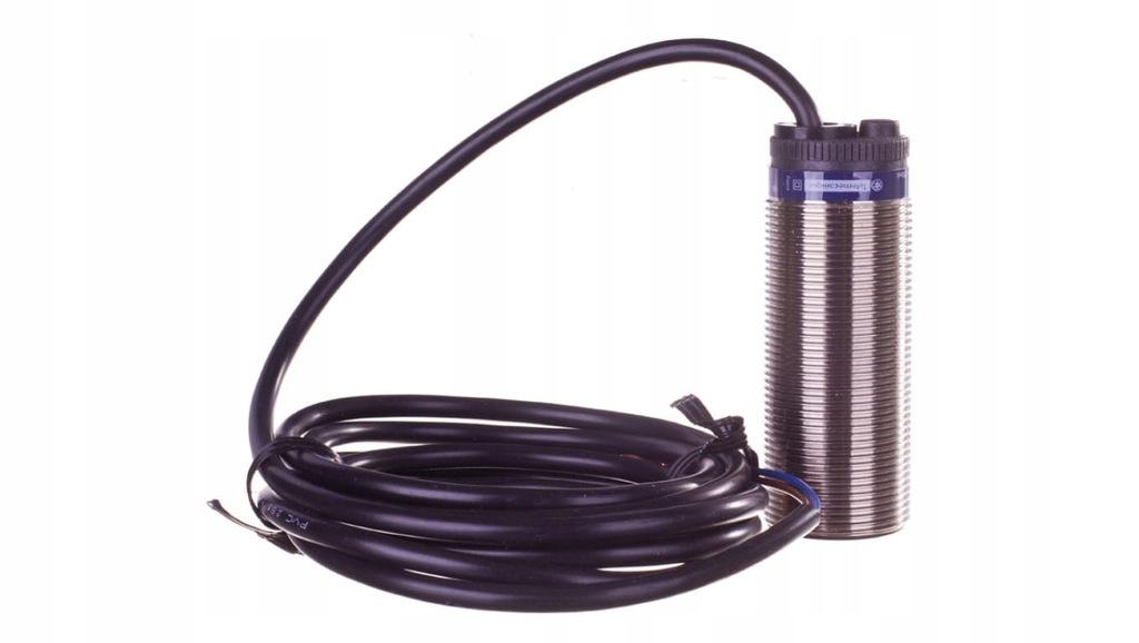 Czujnik indukcyjny M30 10mm 24-240V AC/DC 1R 2-prz