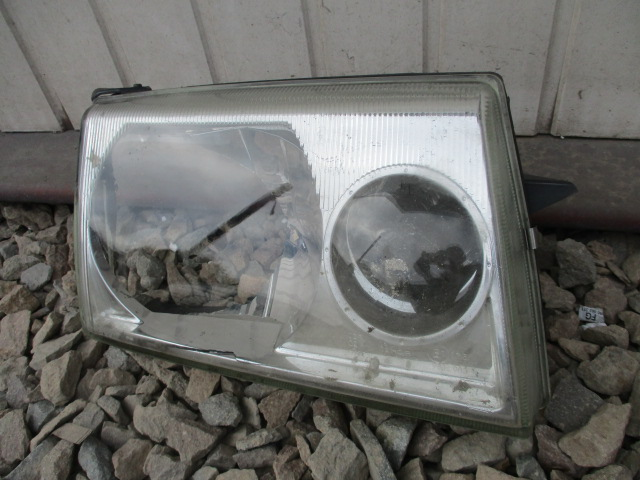 NISSAN TERRANO II 99-02 SZKŁO REFLEKTORA LAMPA