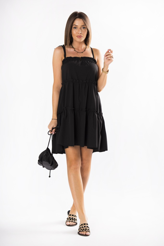 Luźna sukienka na ramiączkach na lato