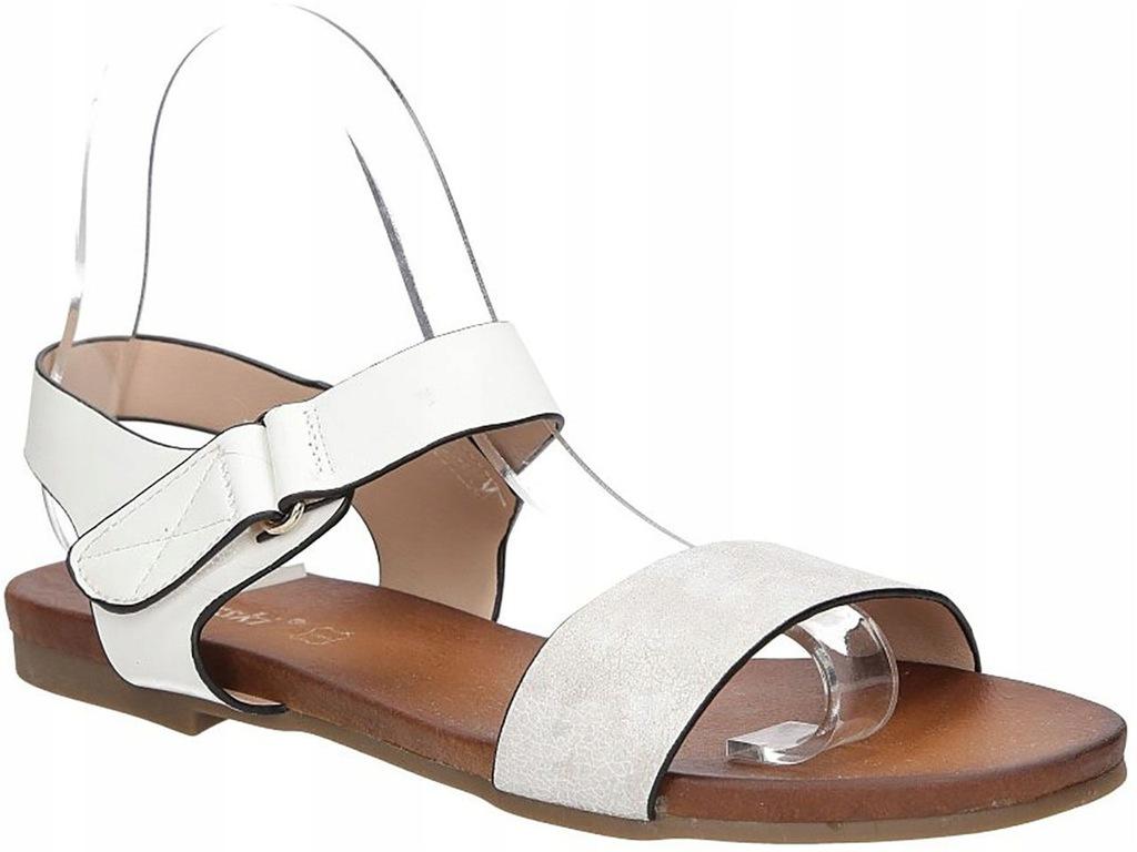 Białe sandały damskie S.BARSKI 541 8 r39