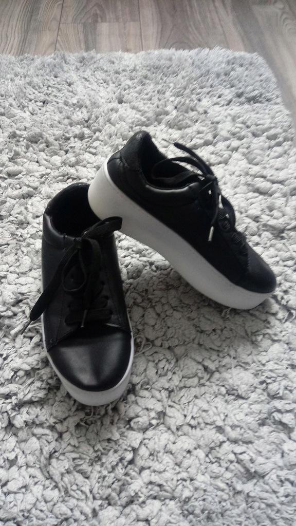Atmosphere sneakersy na białej platformie 37
