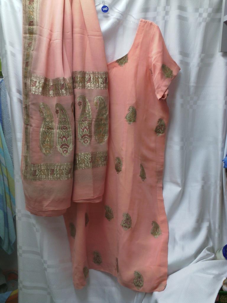 Oryginalny ubiór indyjski JEDWAB z metalową nitką