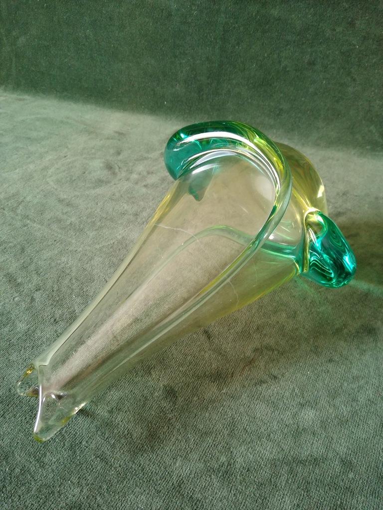 Piękny stary szklany wazon