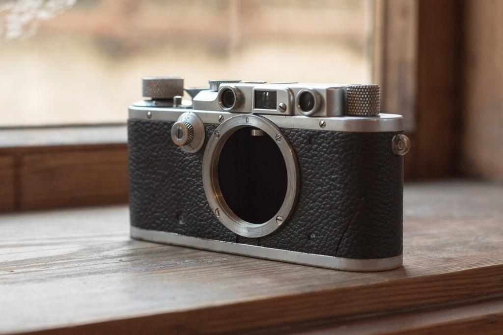 Aparat analogowy Leica IIIa 1938r.