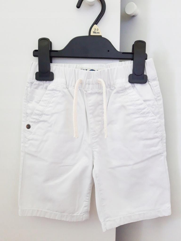 Krótkie spodenki białe Next 98