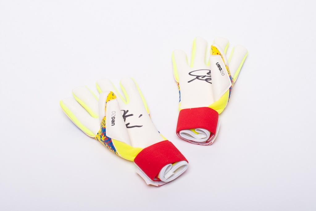 Rękawice z autografem Artura Boruca