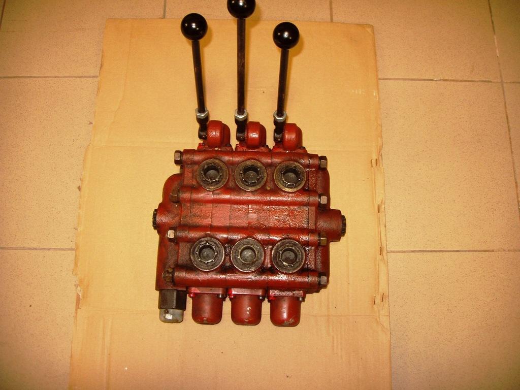 Rozdzielacz hydrauliczny RBS 16.