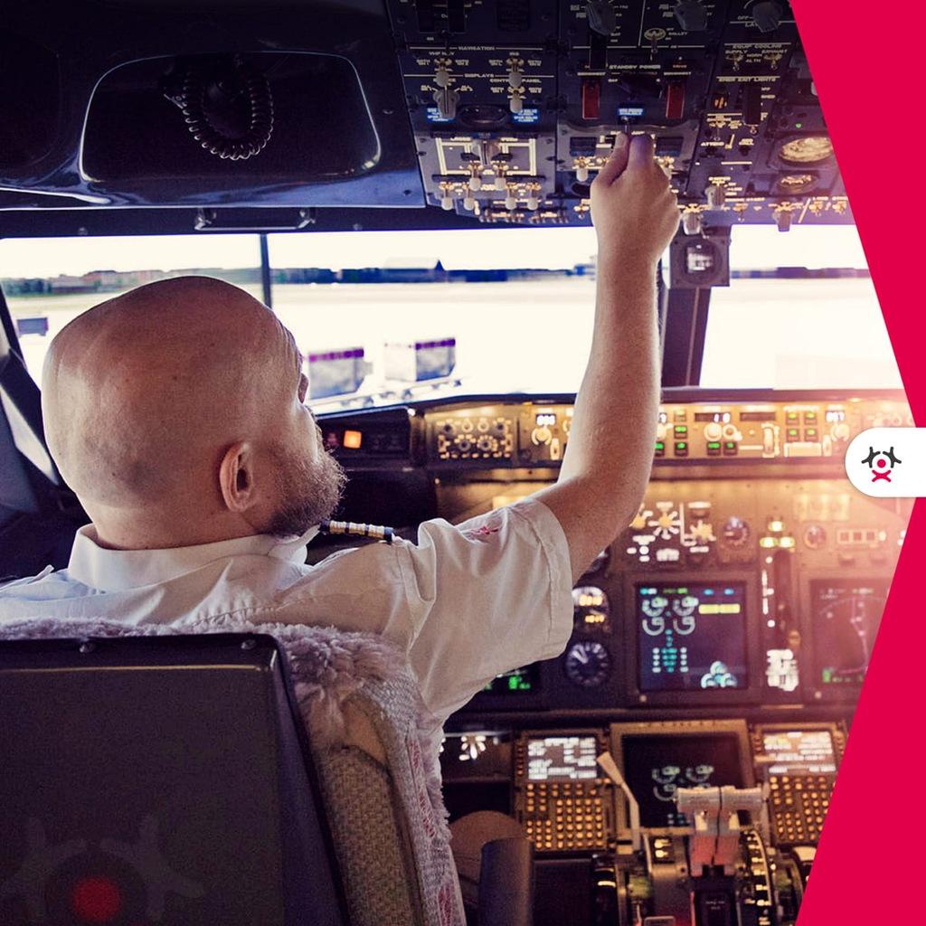 FLYSPOT - 20 minut za sterami Boeinga 737-800 dla