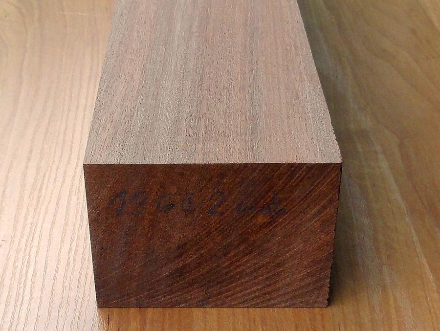 Drewno MAHOŃ na gryf gitary basowej, grubość 69mm