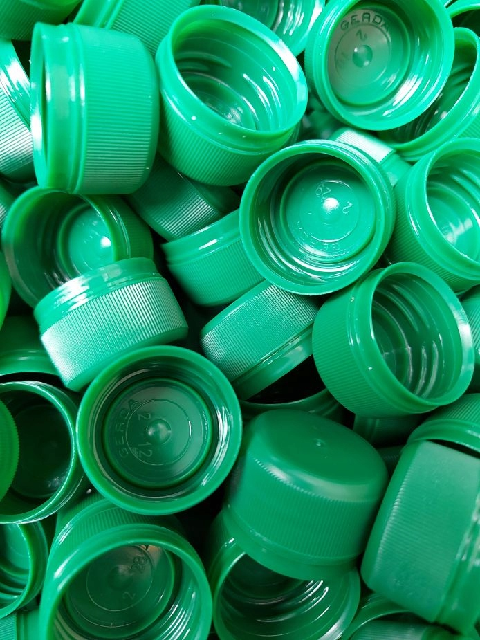 Zakrętka do butelki PET zielona 10000szt