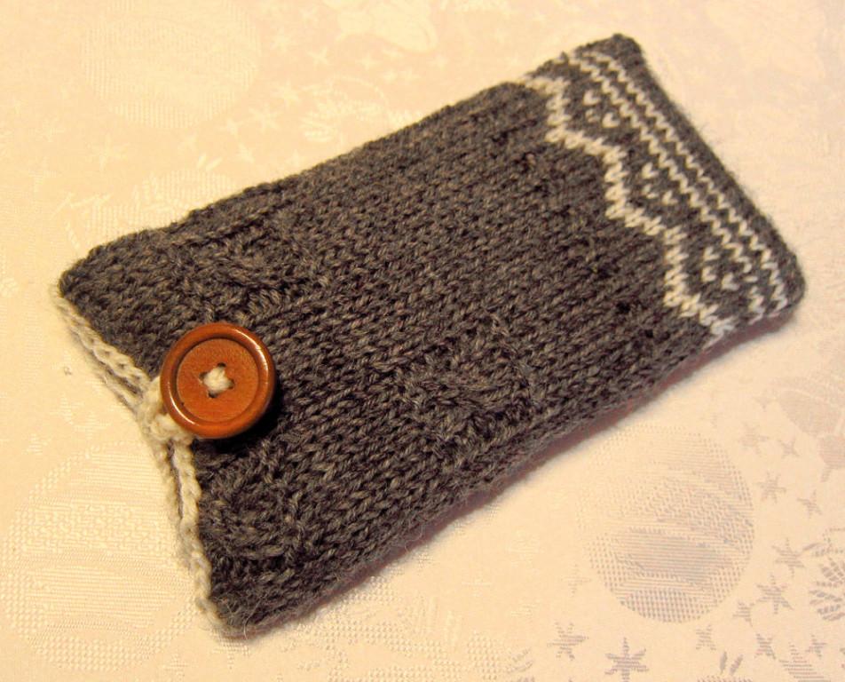 Etui pokrowiec smartfon dziergany sweterek wełna