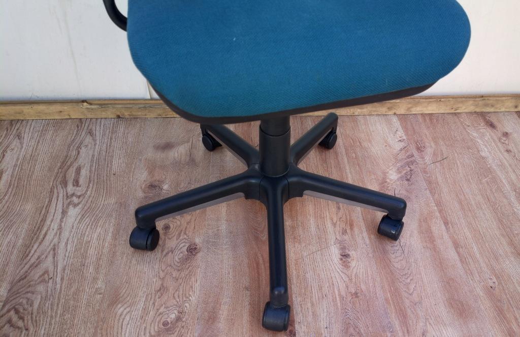 krzesło na kółkach GRAHL FOTEL BIURKOWY 7509513365