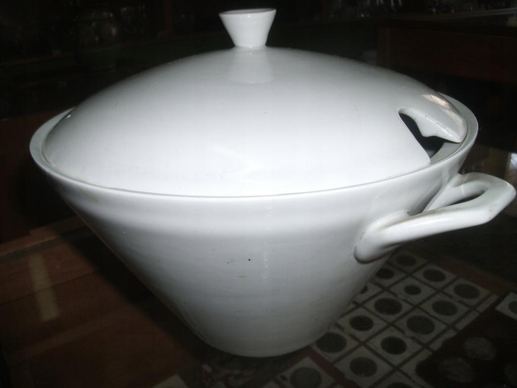 Waza porcelanowa -syg Lubiana
