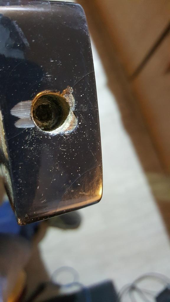 Gryf do basu emp, uszkodzony pręt, gratis klucze.