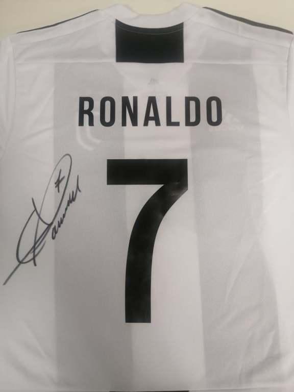 C. Ronaldo - koszulka z oryginalnym autografem