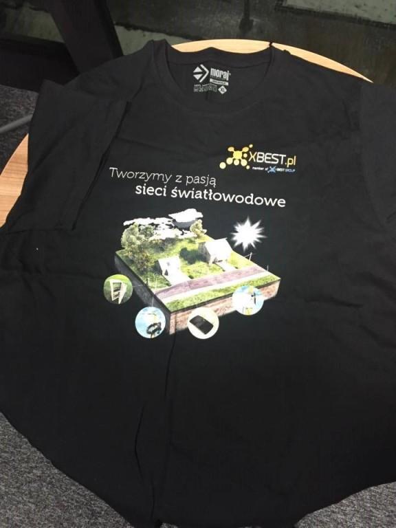 Koszulka - dla fanów sieci światłowodowych ;-)