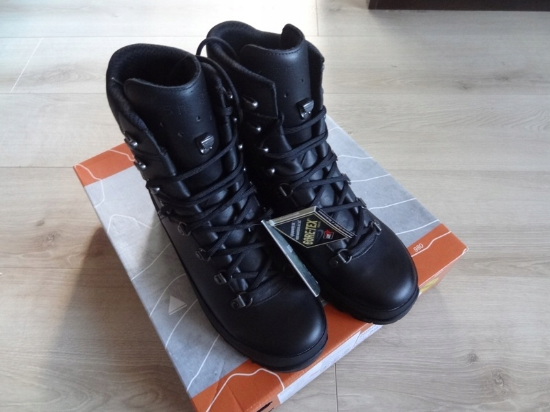 buty LOWA Mountain Boot GTX 42,5