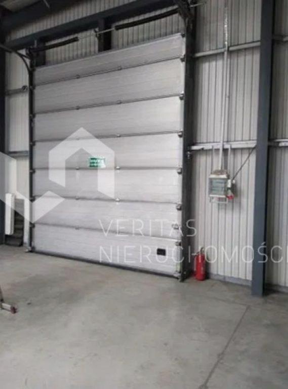 Magazyny i hale, Wyry, Wyry (gm.), 980 m²