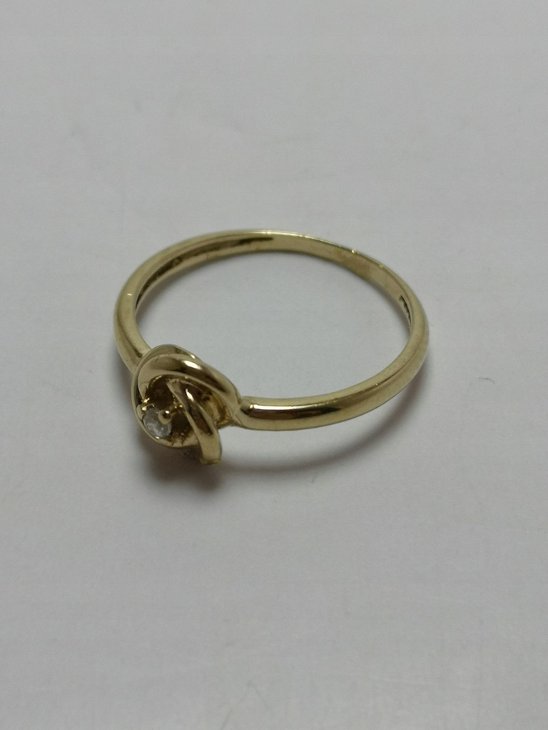 Złoty pierścionek p.585 1,5g r.11