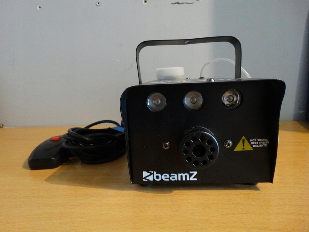 Wytwornica dymu BeamZ S700-LED