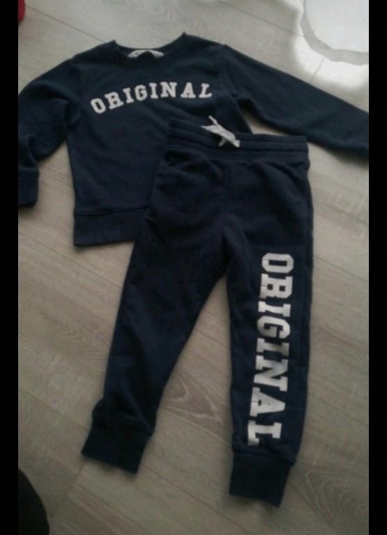 H&M granatowy dres dla chłopca 98