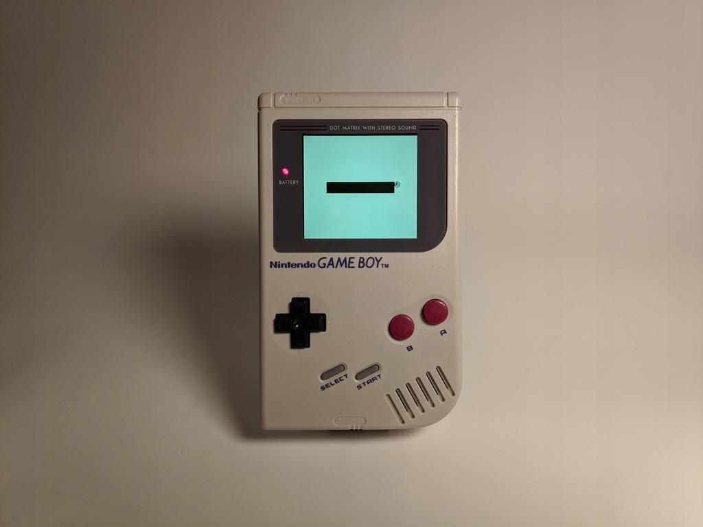 Game Boy DMG z podświetlonym ekranem IPS
