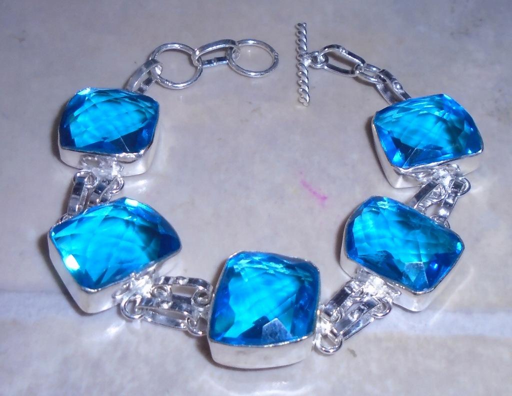 bransoletka z swiss blue topazami laboratoryjnymi