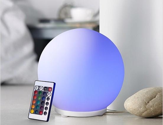 Nastrojowa lampka LED ze zmianą kolorów Tchibo