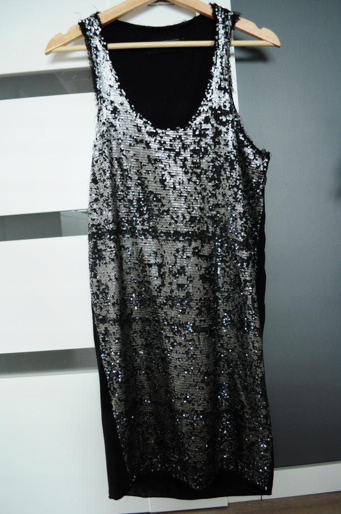Sukienka cekinowa Guess S