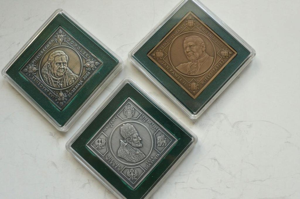 3 Papieży, plakiety - klipy