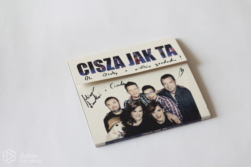 Płyta zespołu CISZA JAK TA wraz z autografami