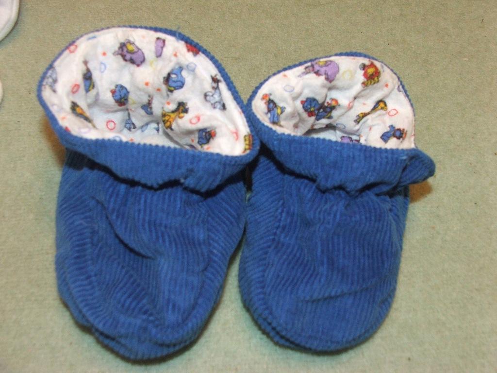 Paputki kapcie buciki 6-12m Junior Joy