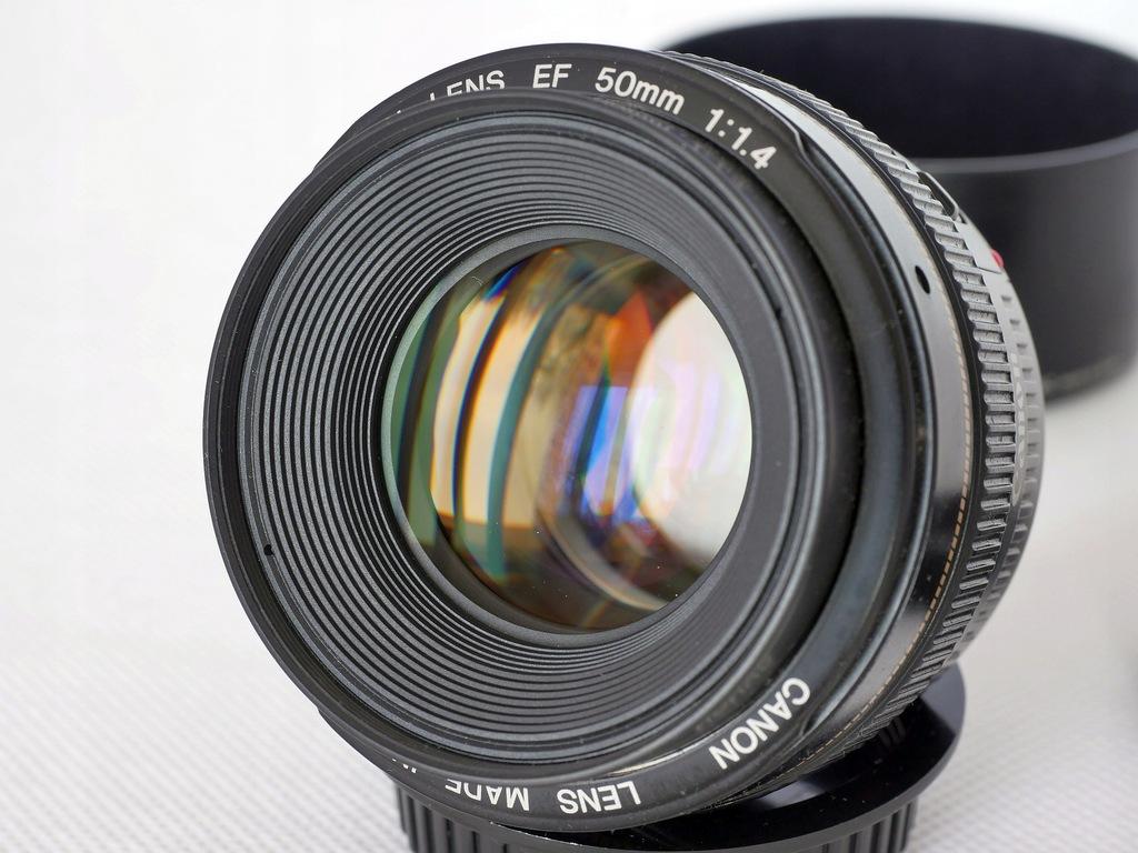 Canon EF 50 mm 1,4 Hoya HMC UV (N) osłona ES-71II