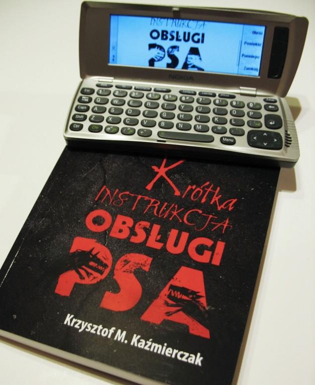 Krótka instrukcja obsługi psa - Nokia i książka