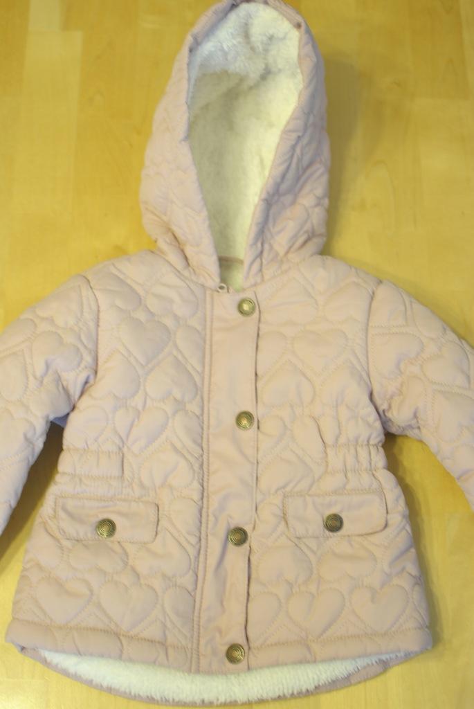 zimowa kurteczka dla dziewczynki w serduszka